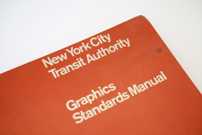 Manuale grafico metropolitana New York Massimo Vignelli