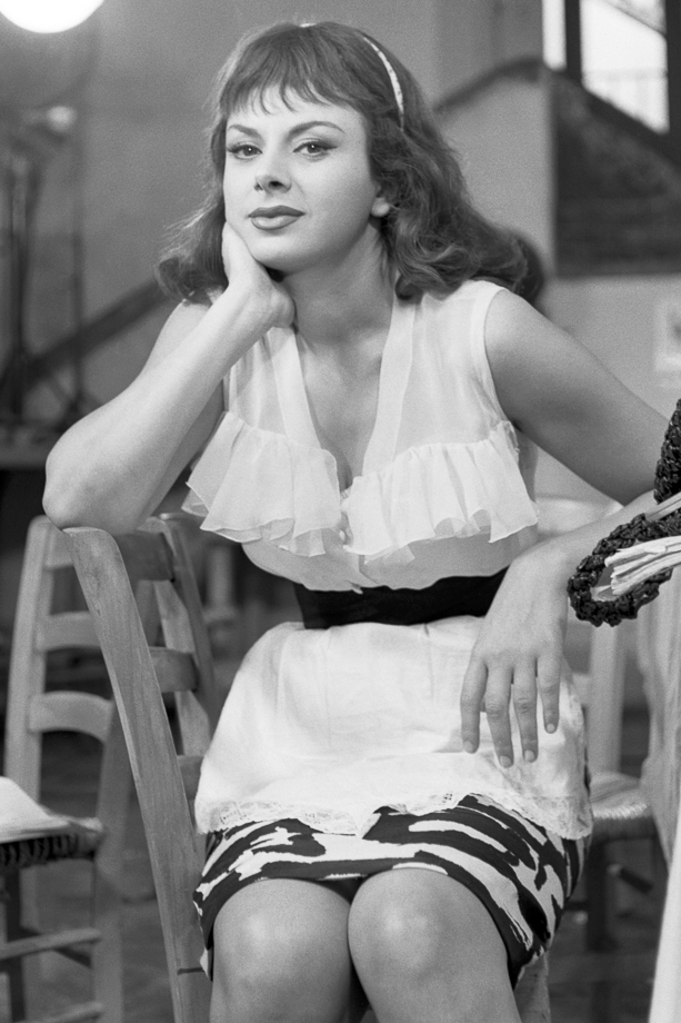 Sandra Milo sul set del film Adua e le compagne. Roma, 7 agosto 1960